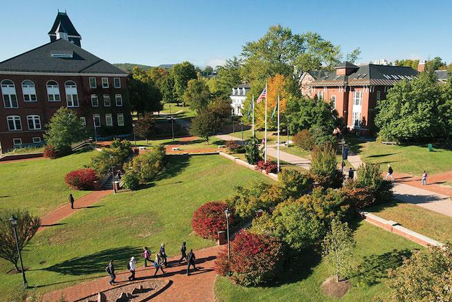 Kannattaako lähteä yliopistoon ulkomaille?
