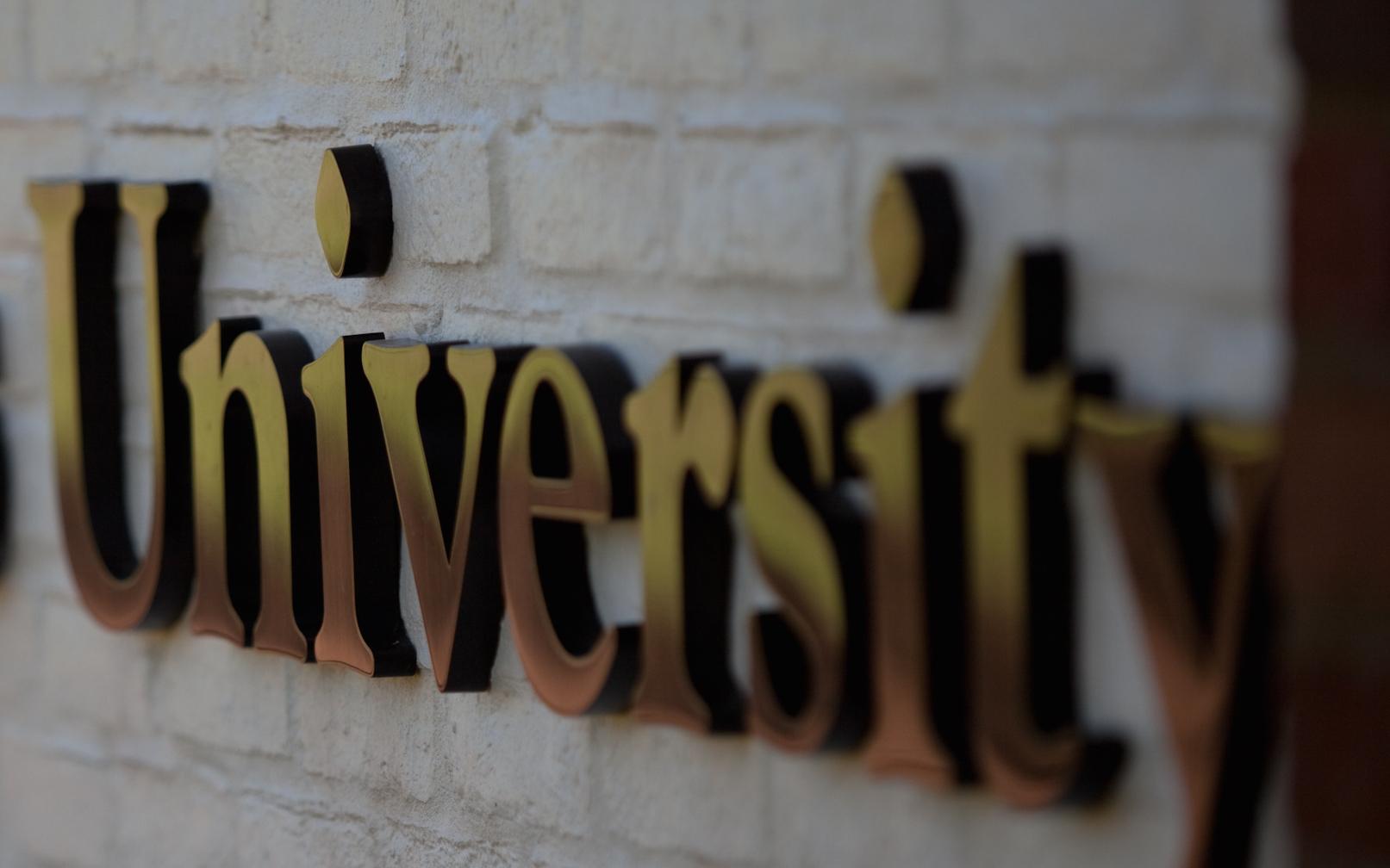 Opiskelu Yhdysvalloissa / Opintojen hinta ja apurahat