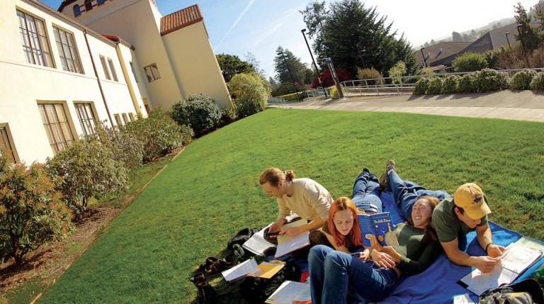 yliopisto-opiskelu kaliforniassa