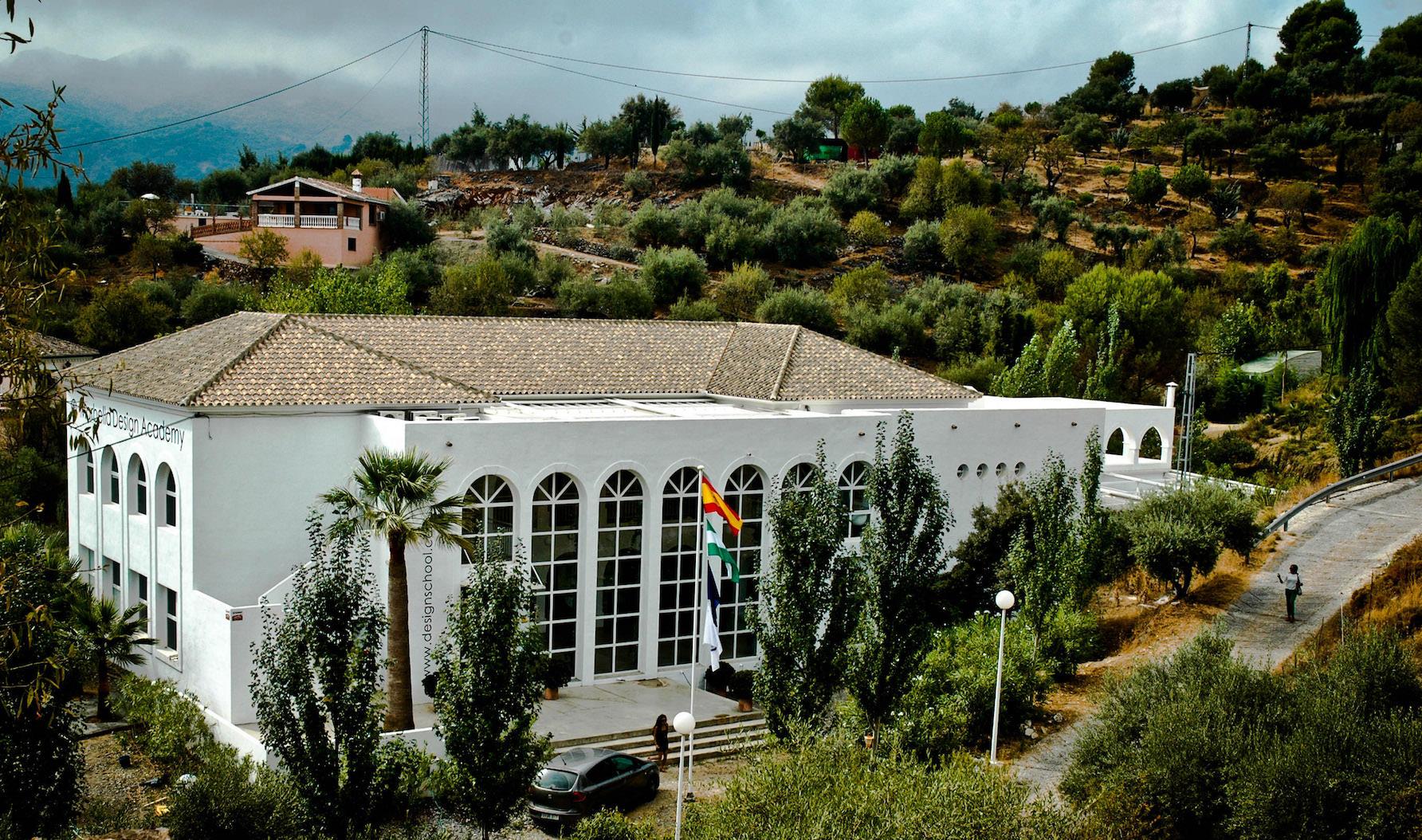 ESPANJAAN OPISKELEMAAN! Marbella Design Academy. Espanjaan yliopistoon.