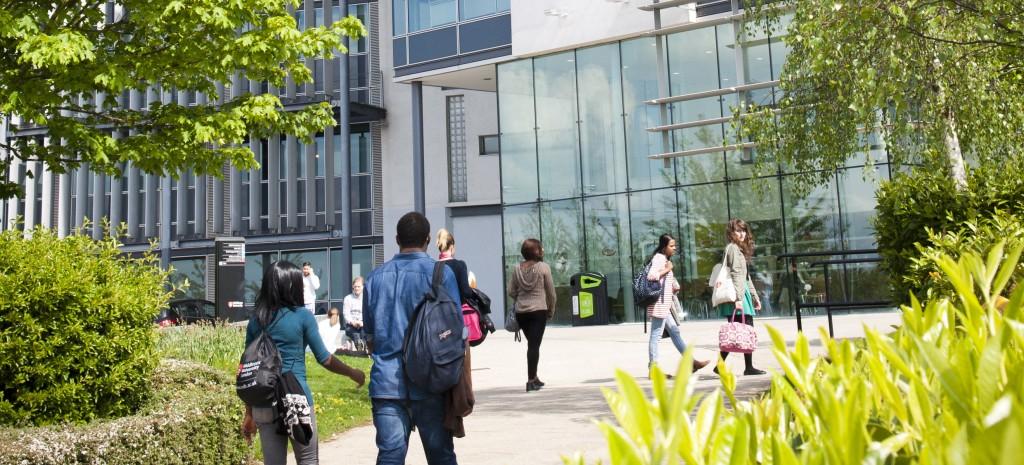 Middlesex University Lontoo Yliopistoon ulkomaille